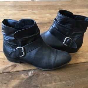 Black Aldo booties size 7